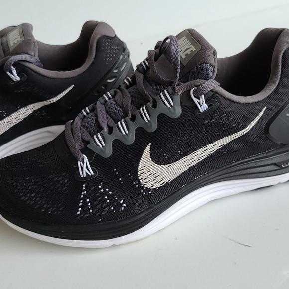 Nike Shoes - Nike Lunarglide 5 Running Shoe